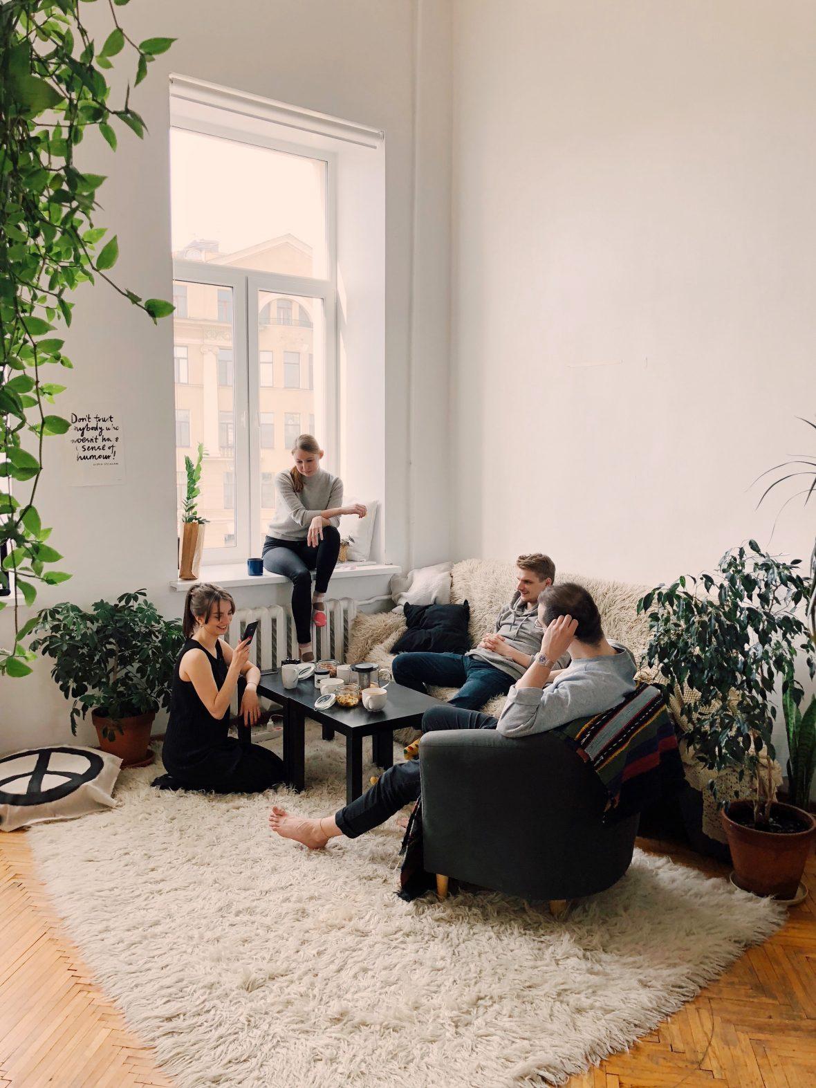¿Cuándo deben pagar el inquilino y propietario?